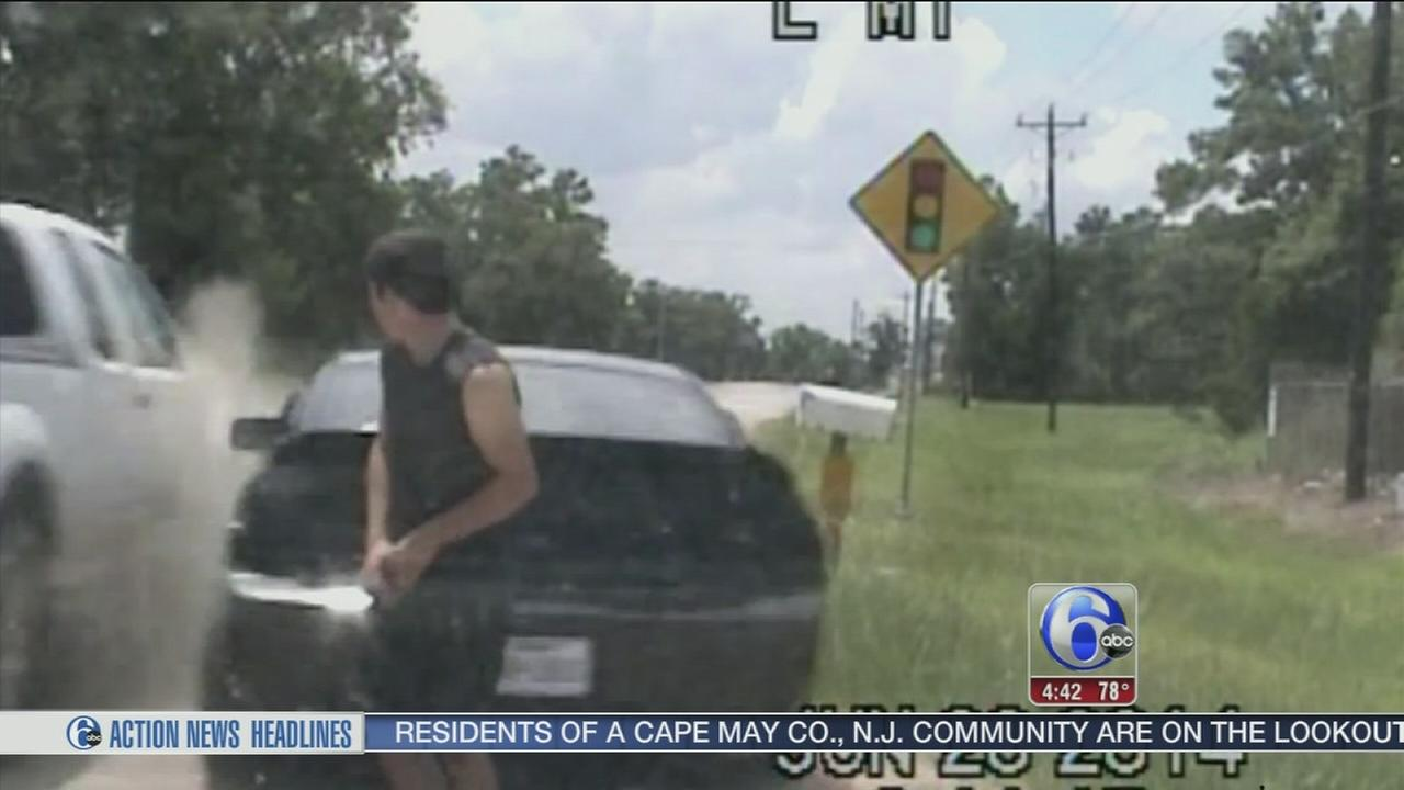 VIDEO: Close call for Mustang driver during traffic stop