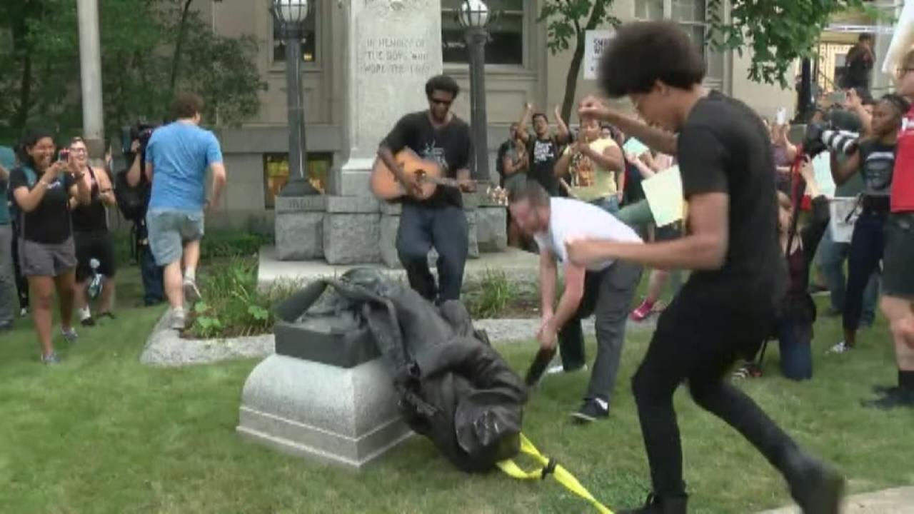 NC protesters topple Confederate statue outside courthouse