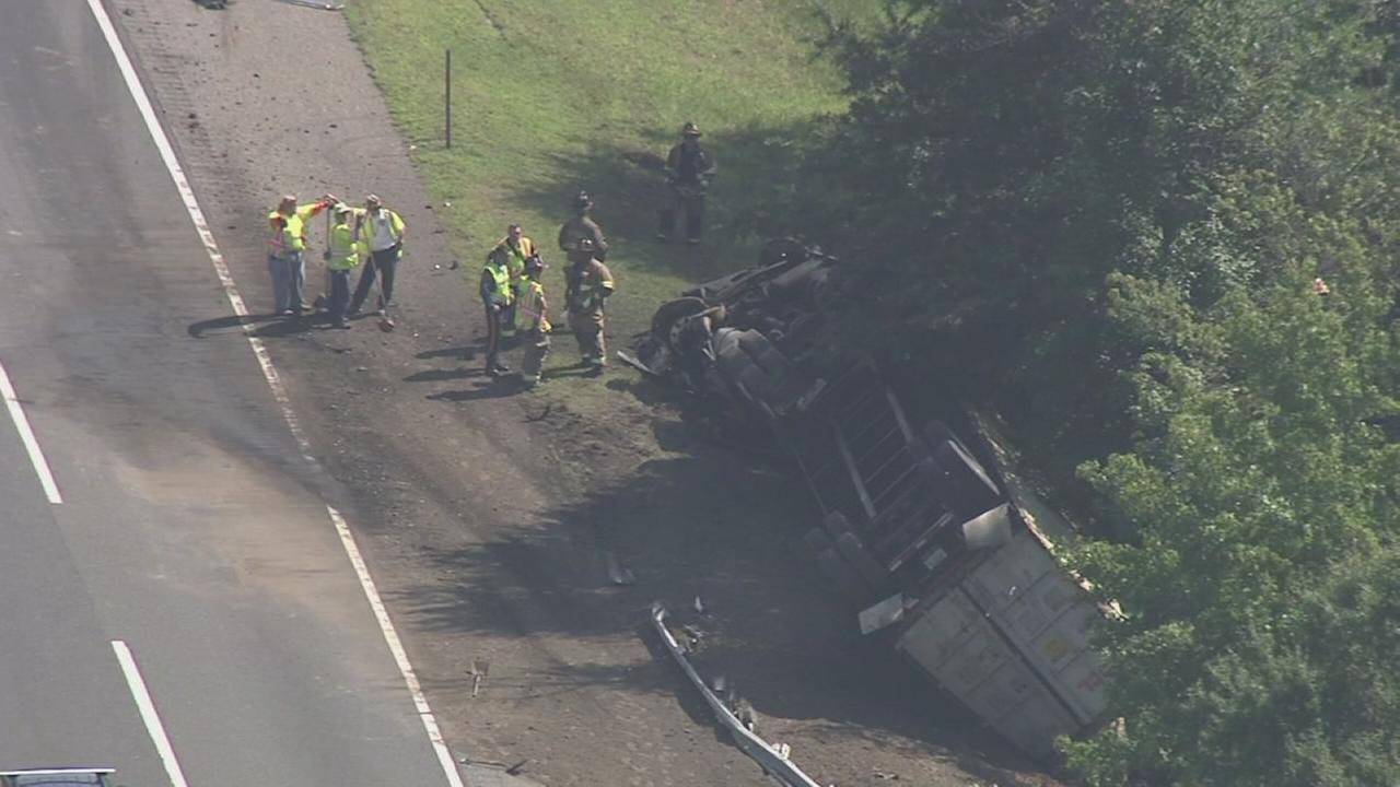 Tractor-trailer crash on NJ Turnpike