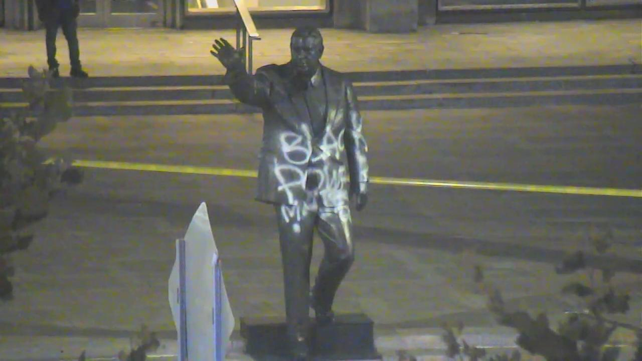 Rizzo statue vandalized with spray paint