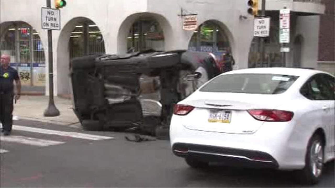 3 people hurt in 2 vehicle crash in Center City