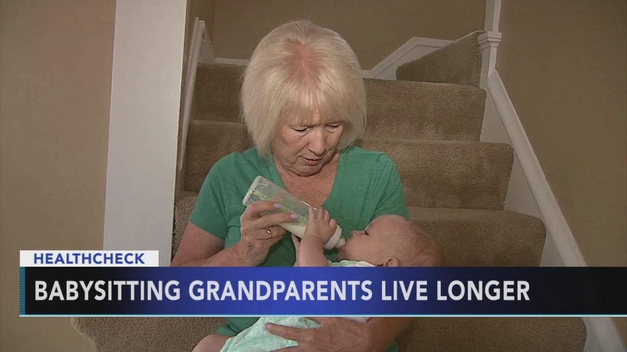 Study: Babysitting grandparents live longer