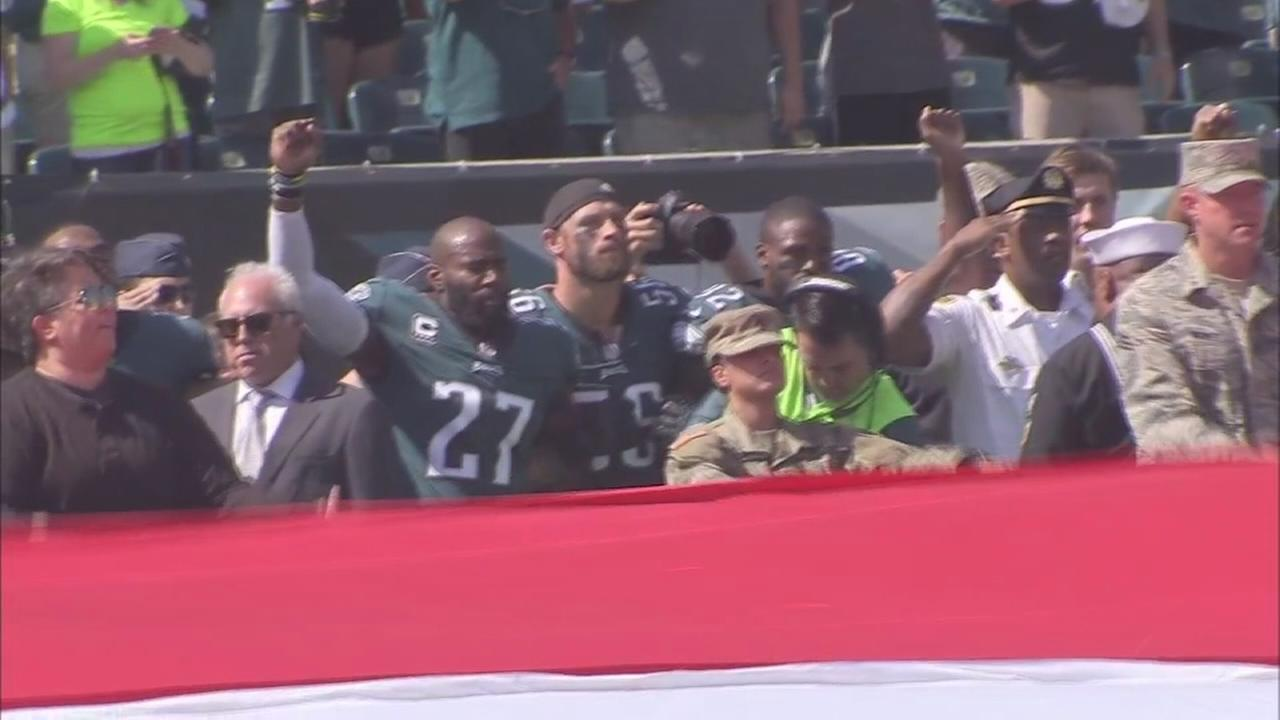 Eagles show united front in national anthem issue: Sarah bloomquist reports on Action News at 11 p.m., September 24, 2017