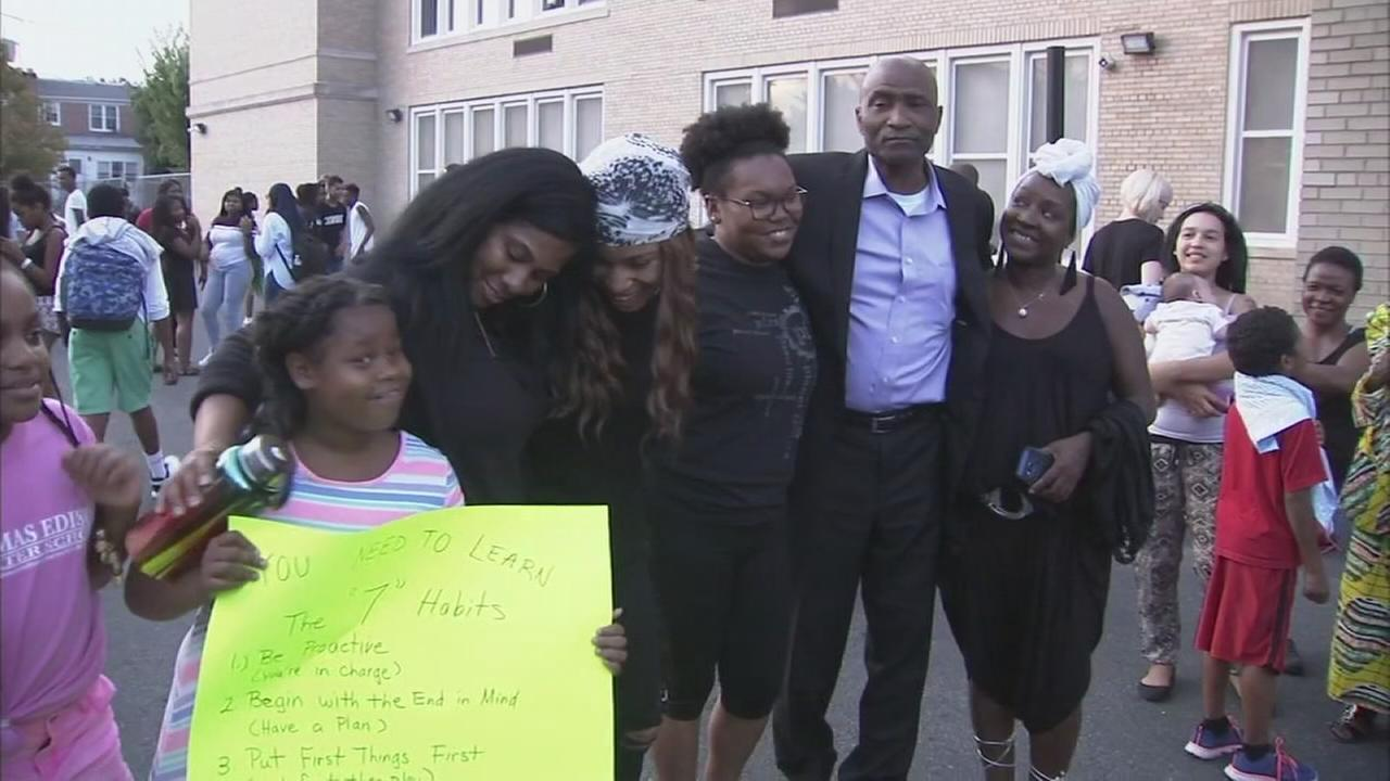 Parents rally for Wilmington principal