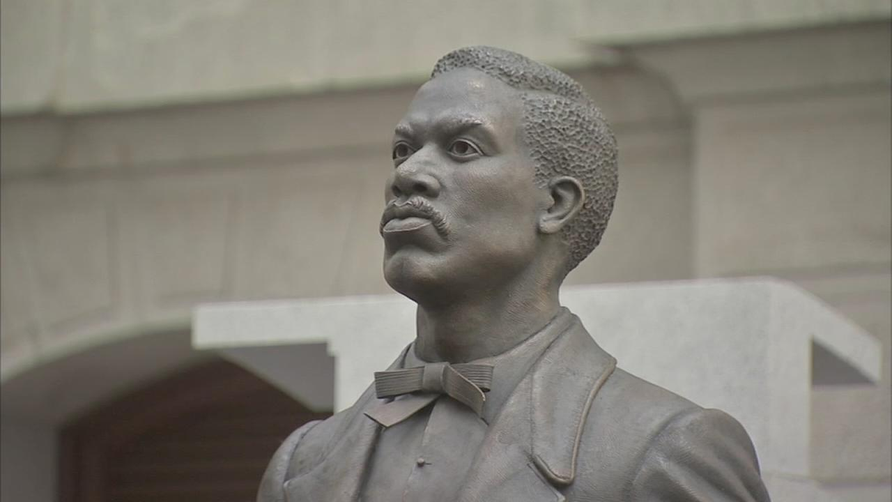 Philly honors African-America activist with City Hall statue