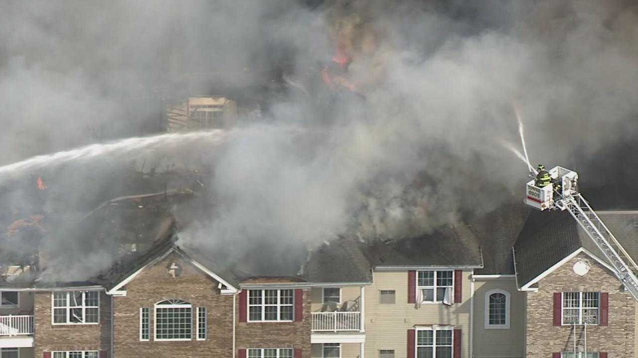 Crews battle large apartment fire in Lakewood, N.J.