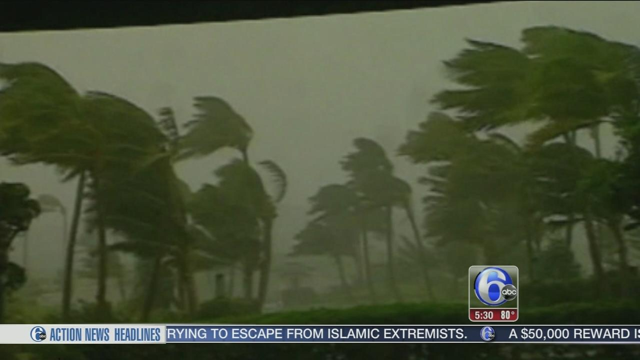 VIDEO: Julio down to Category 2 storm as Iselle lingers