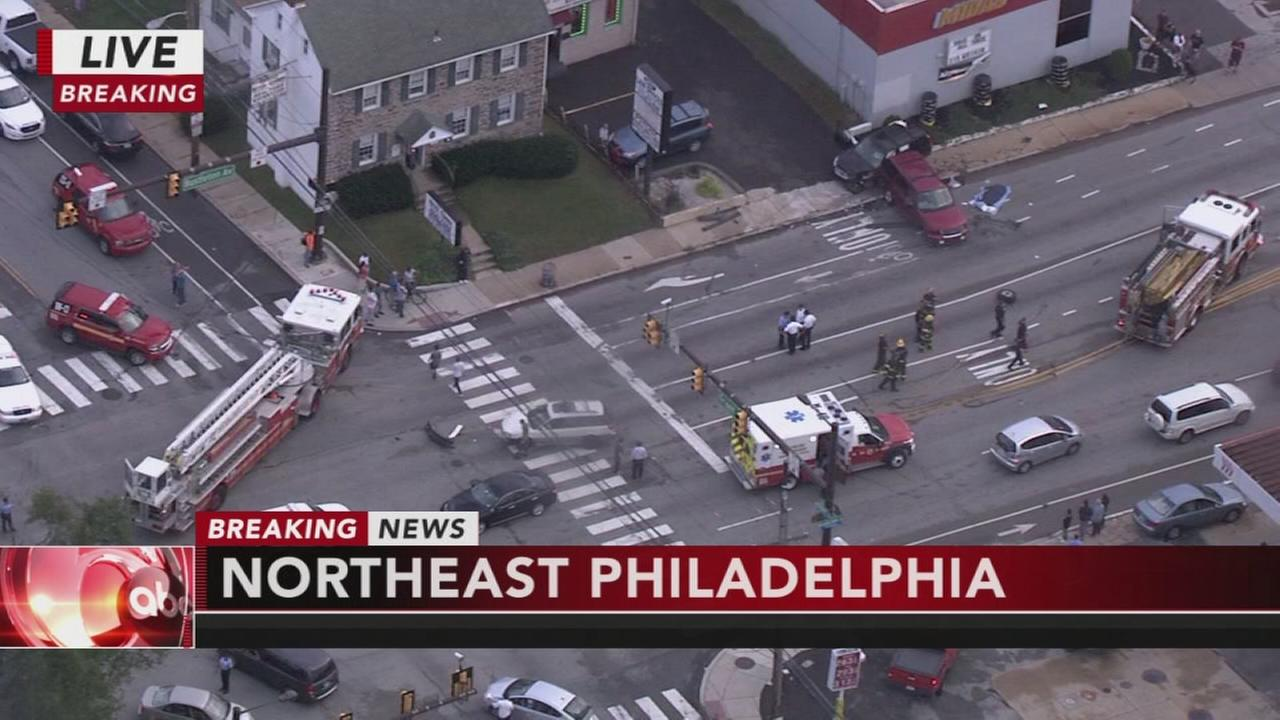 Police: One dead, several injured following crash in Northeast Philly: Alicia Vitarelli reports on Action News at 5 p.m., October 9, 2017
