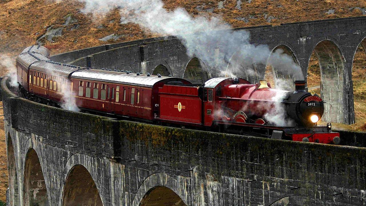 As if by magic, the Hogwarts Express has come to the rescue of a stranded family in Scotland.