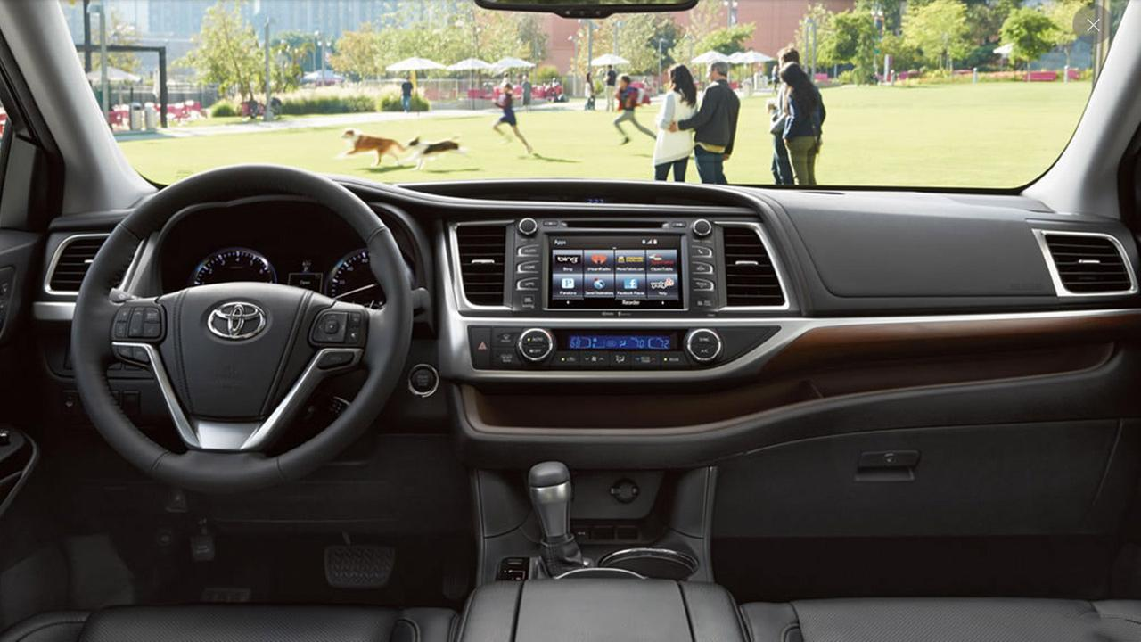 Limited interior shown in Black with available Platinum Package. Prototype shown with options. Production model may vary.