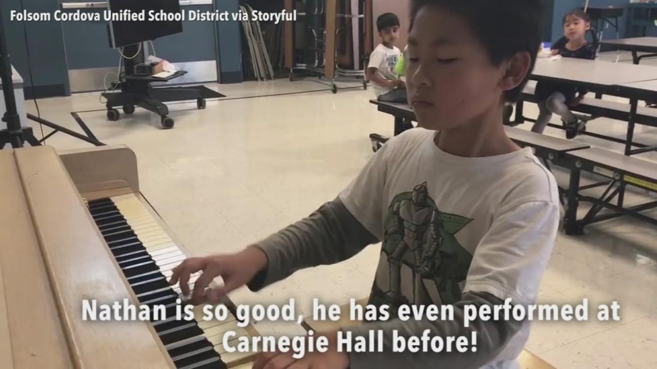 VIDEO: Fifth grader plays piano for fellow students during recess
