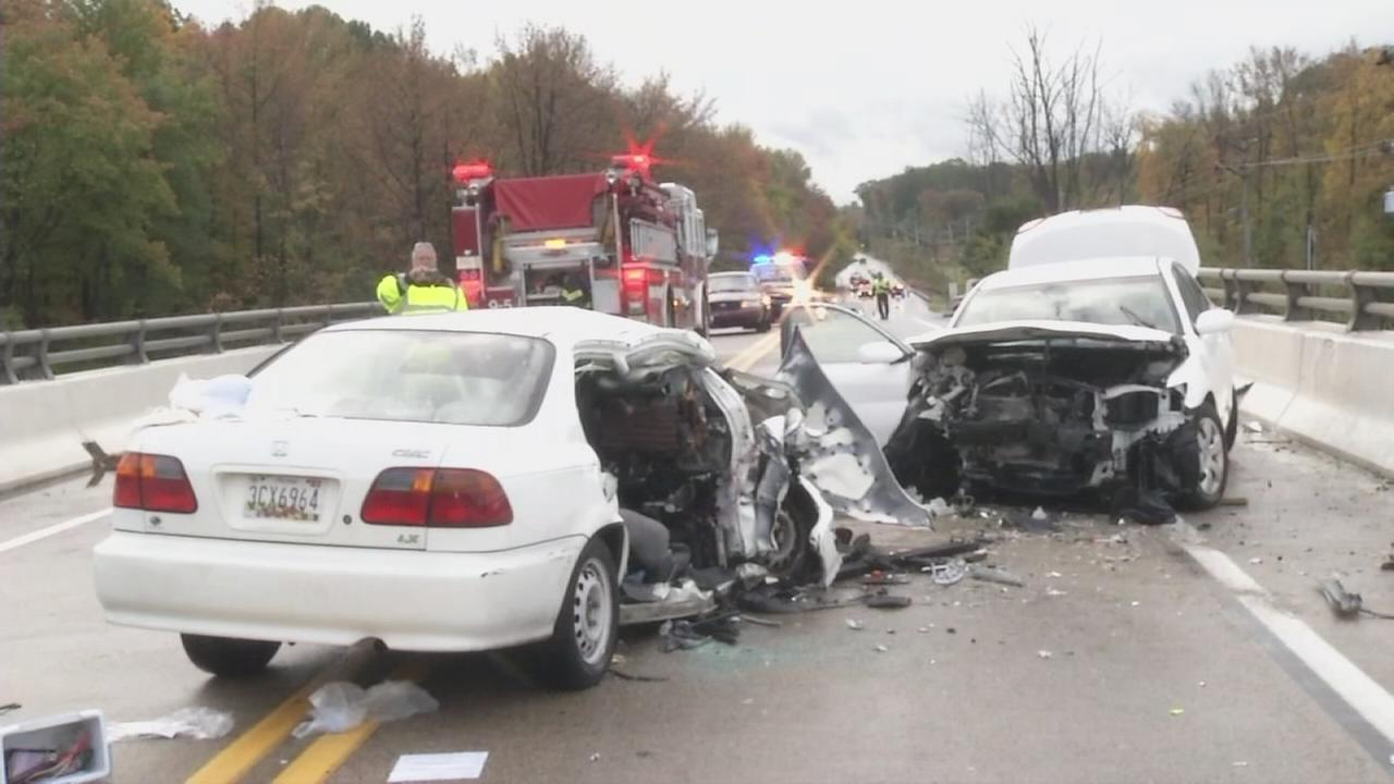 Head-on crash in Newark, Delaware leaves 1 dead, 3 hospitalized