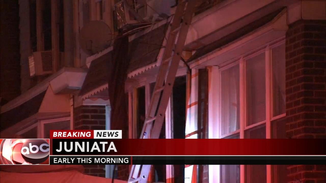 3 hurt in Juniata fire