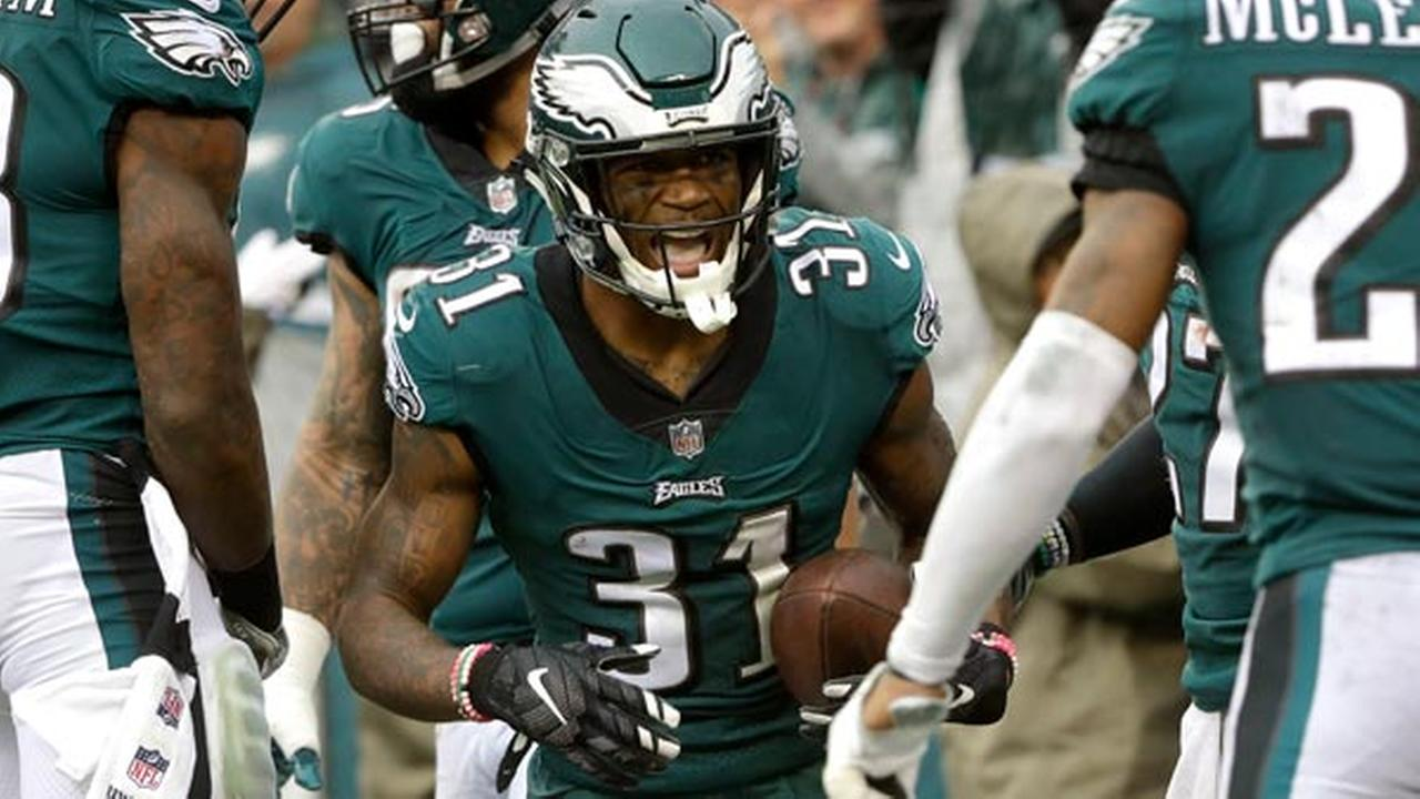 Philadelphia Eagles Jalen Mills (31) celebrates after scoring a touchdown during the first half of an NFL football game against the San Francisco 49ers, Sunday, Oct. 29, 2017.