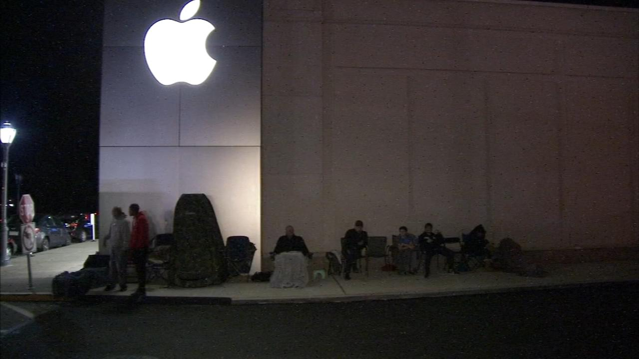 Lining up, camping out for Apples new iPhone X