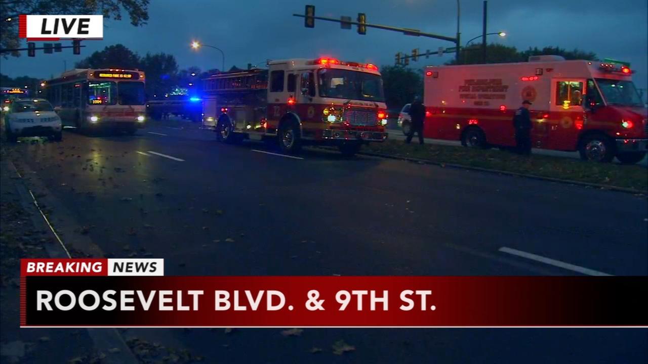 Big rig blocks lanes on Roosevelt Boulevard
