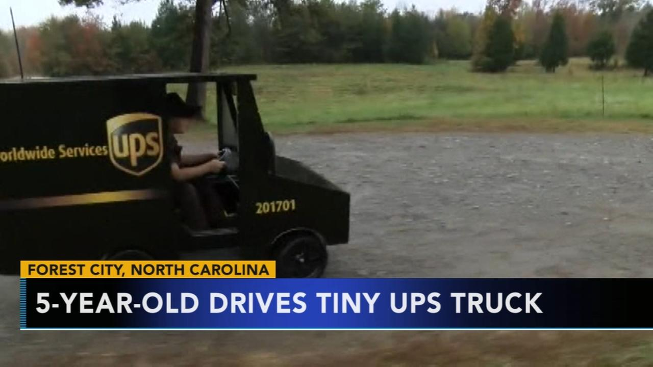5-year-old drives tiny UPS truck