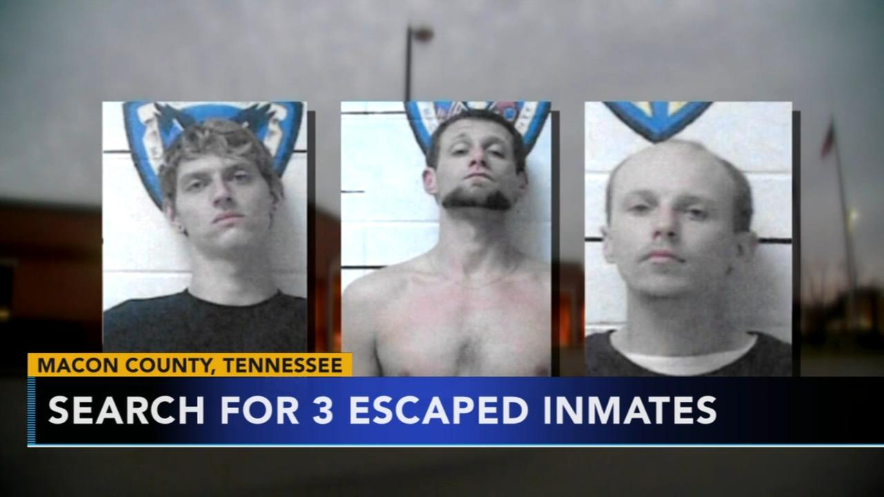 Search for 3 escaped inmates