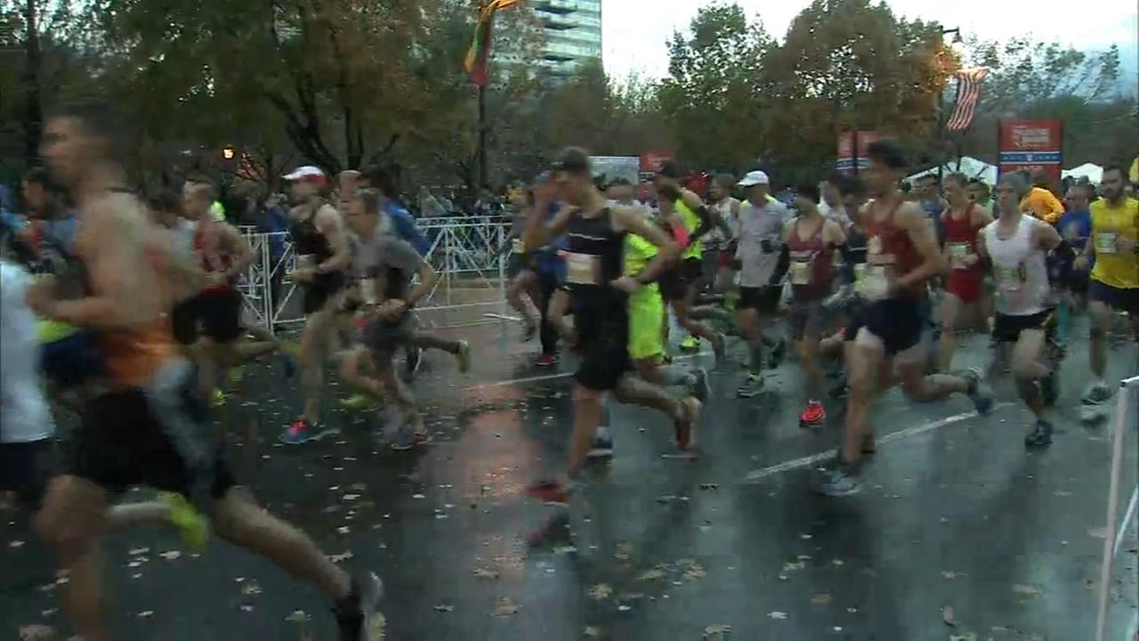 Philadelphia Marathon starts
