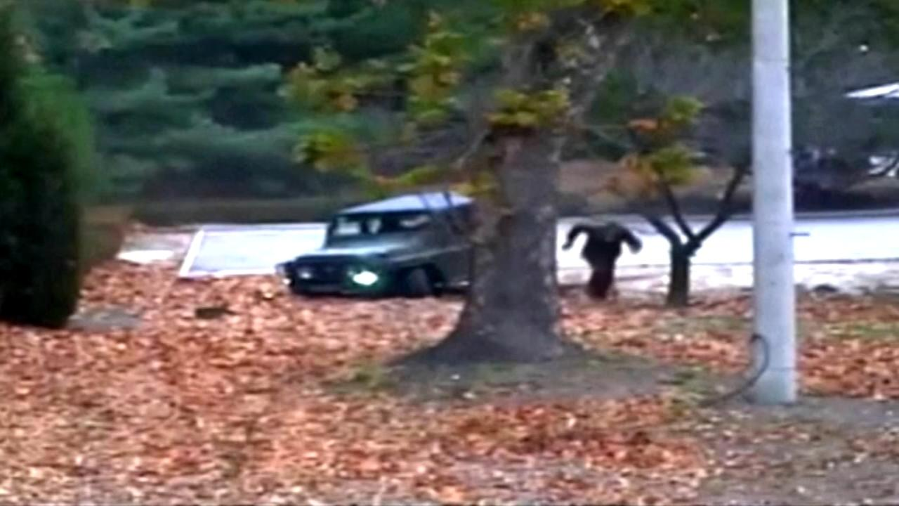 North Korean soldiers escape caught on video
