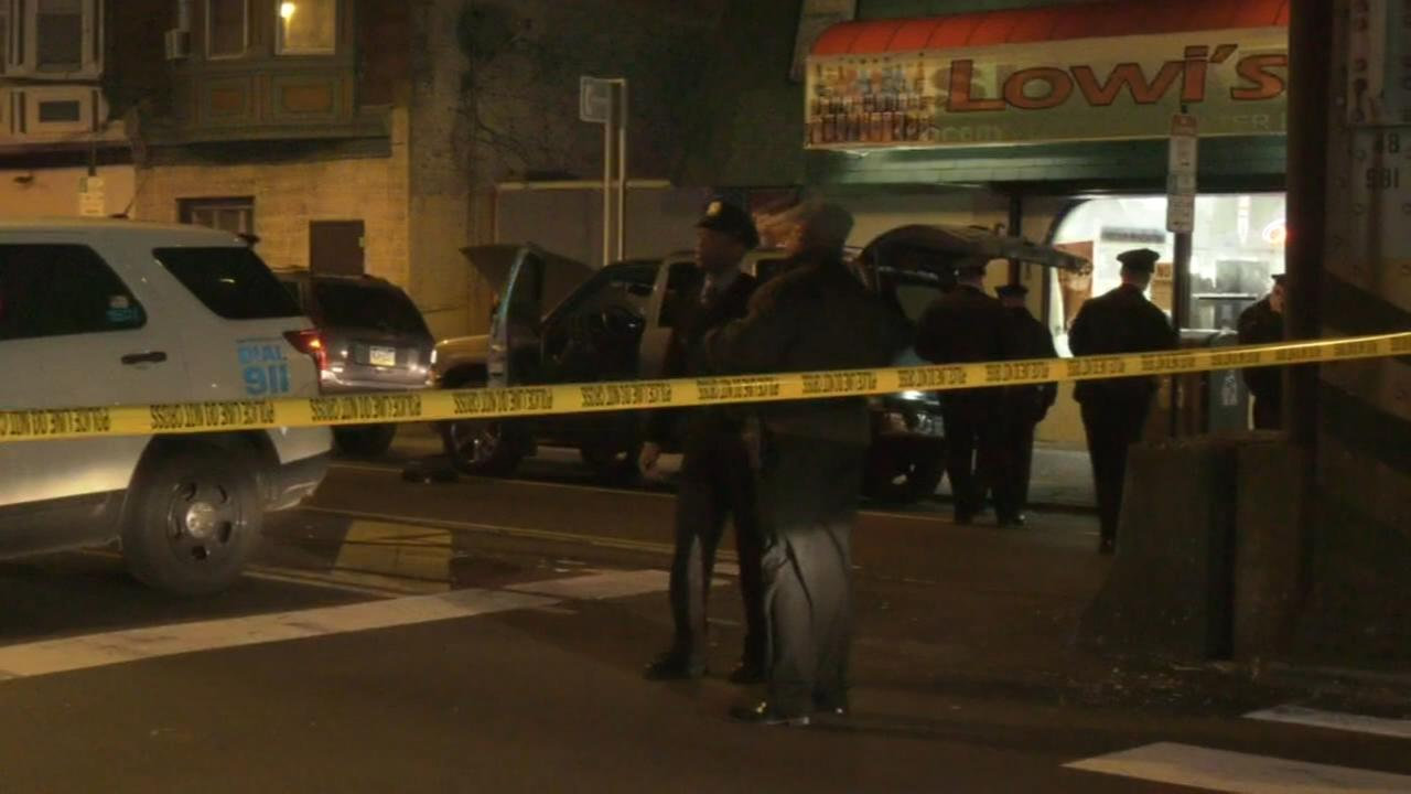 Man shot during attempted robbery in Frankford