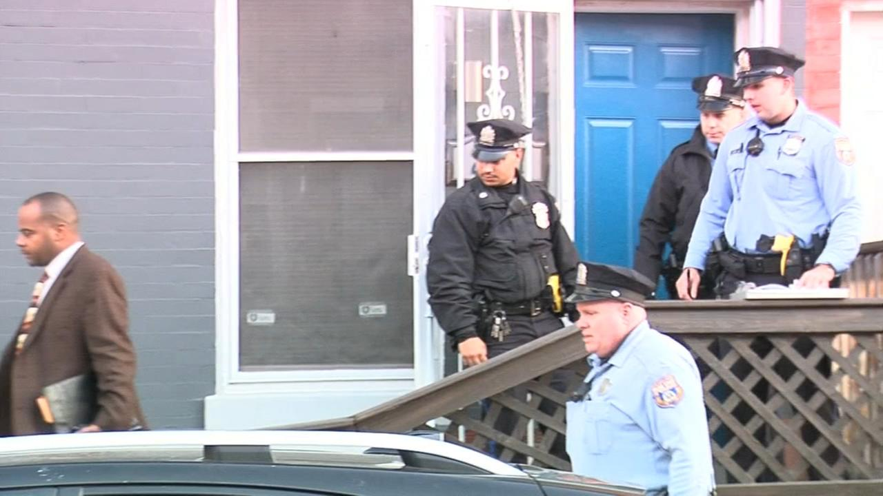 Woman and man hurt in Point Breeze home invasion