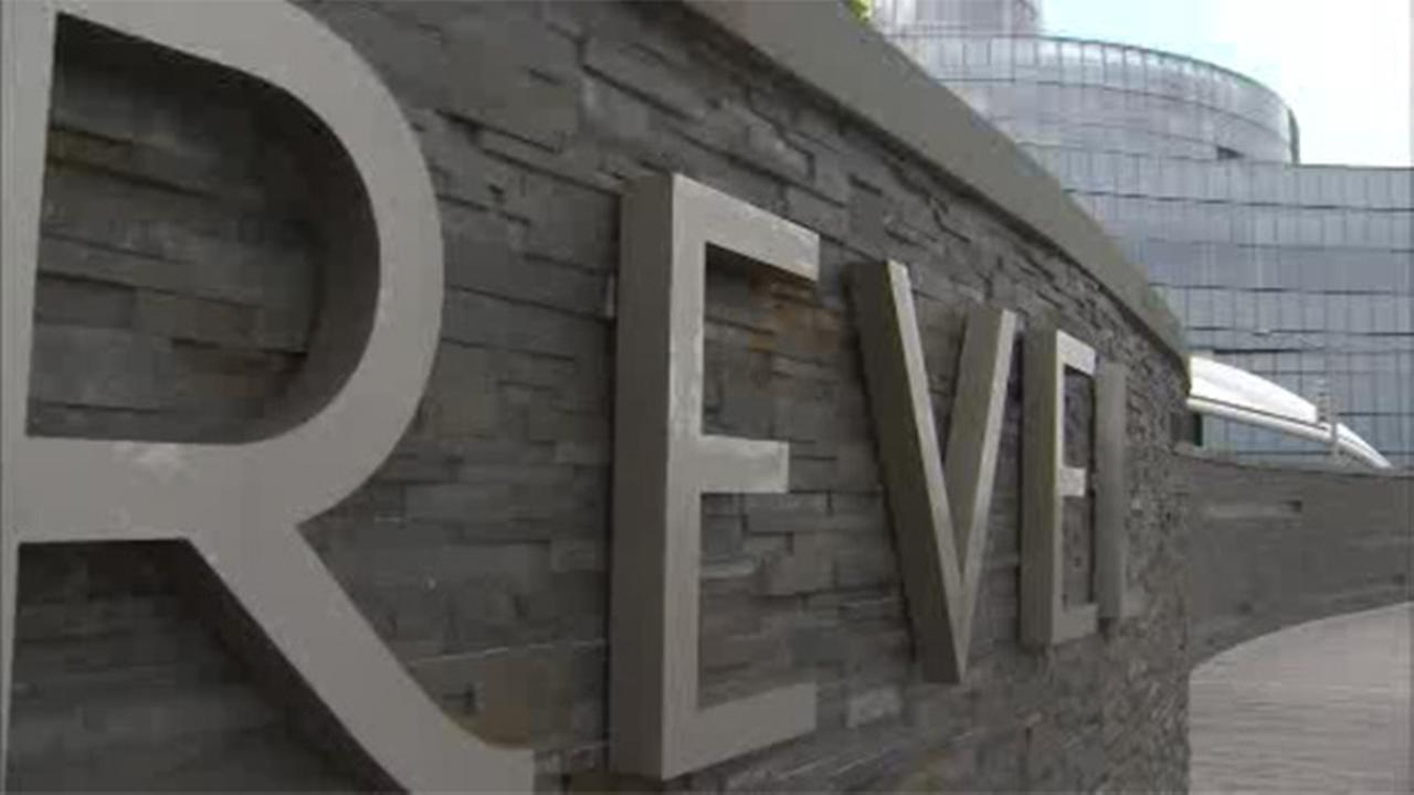 $21,000 of Revel money falls off armored truck