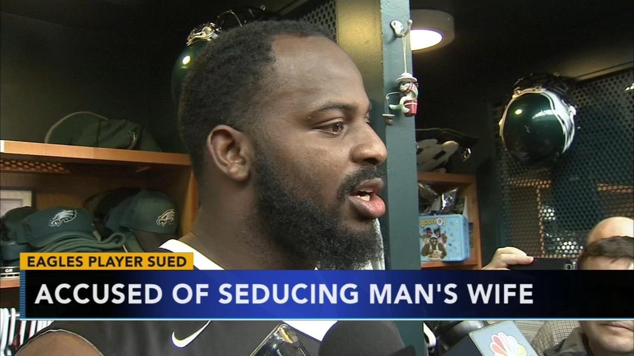 Man sues Eagles Fletcher Cox for ruining marriage