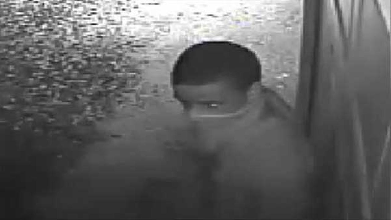 Suspect sought for attempted burglary in Mayfair