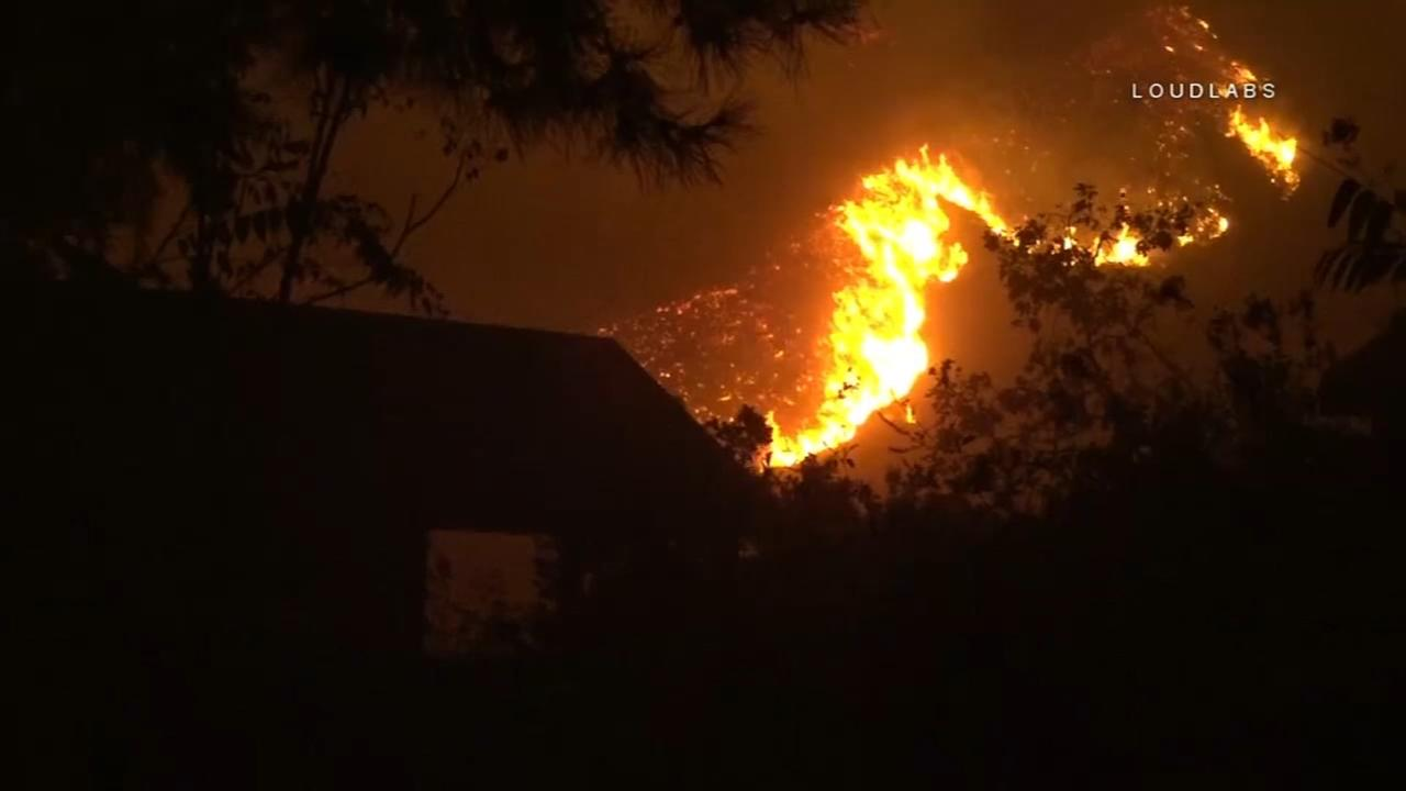 Southern California fire forces thousands to evacuate