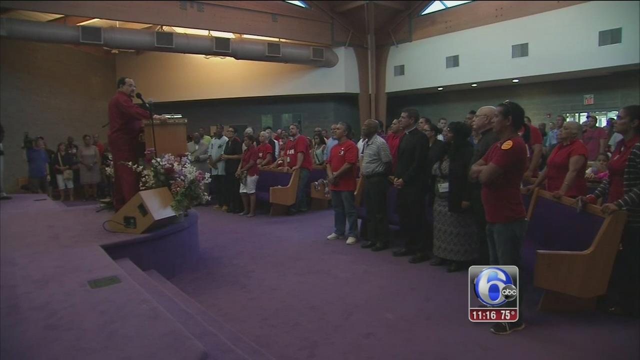 VIDEO: AC casino workers turn to prayer to save their jobs