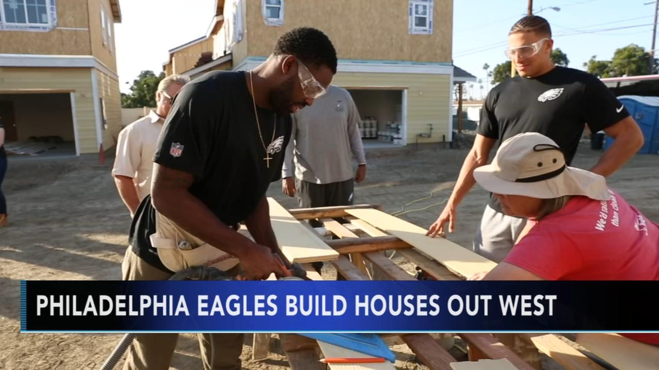Philadelphia Eagles build houses out West