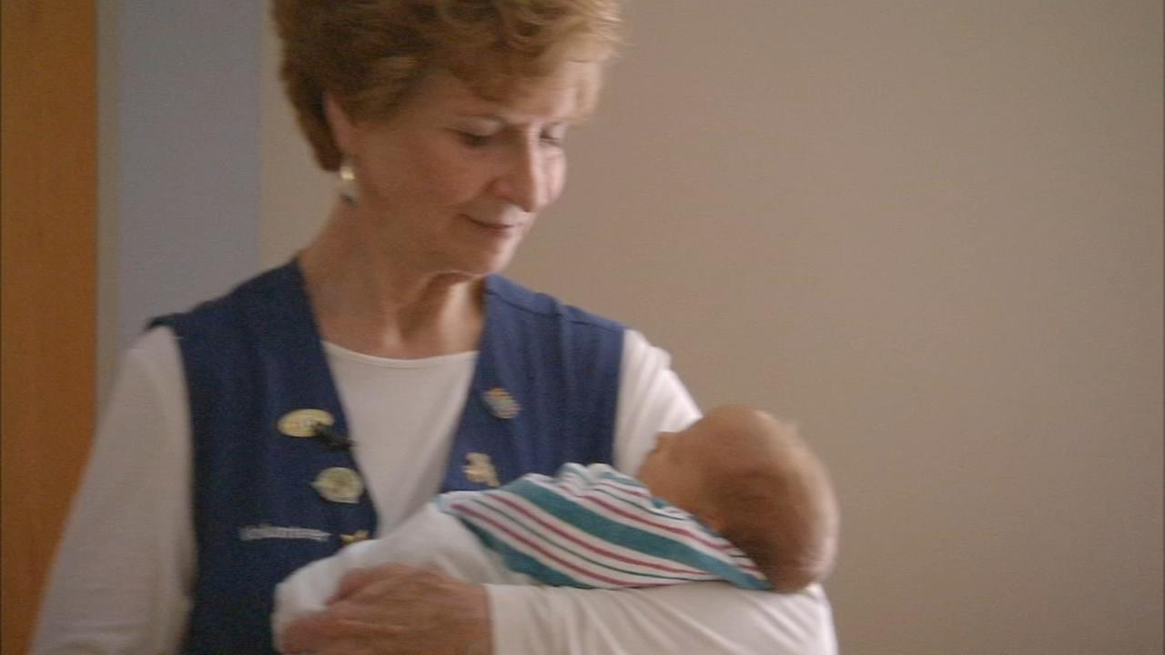 Retired teacher volunteers to cuddle babies at Abington Hospital