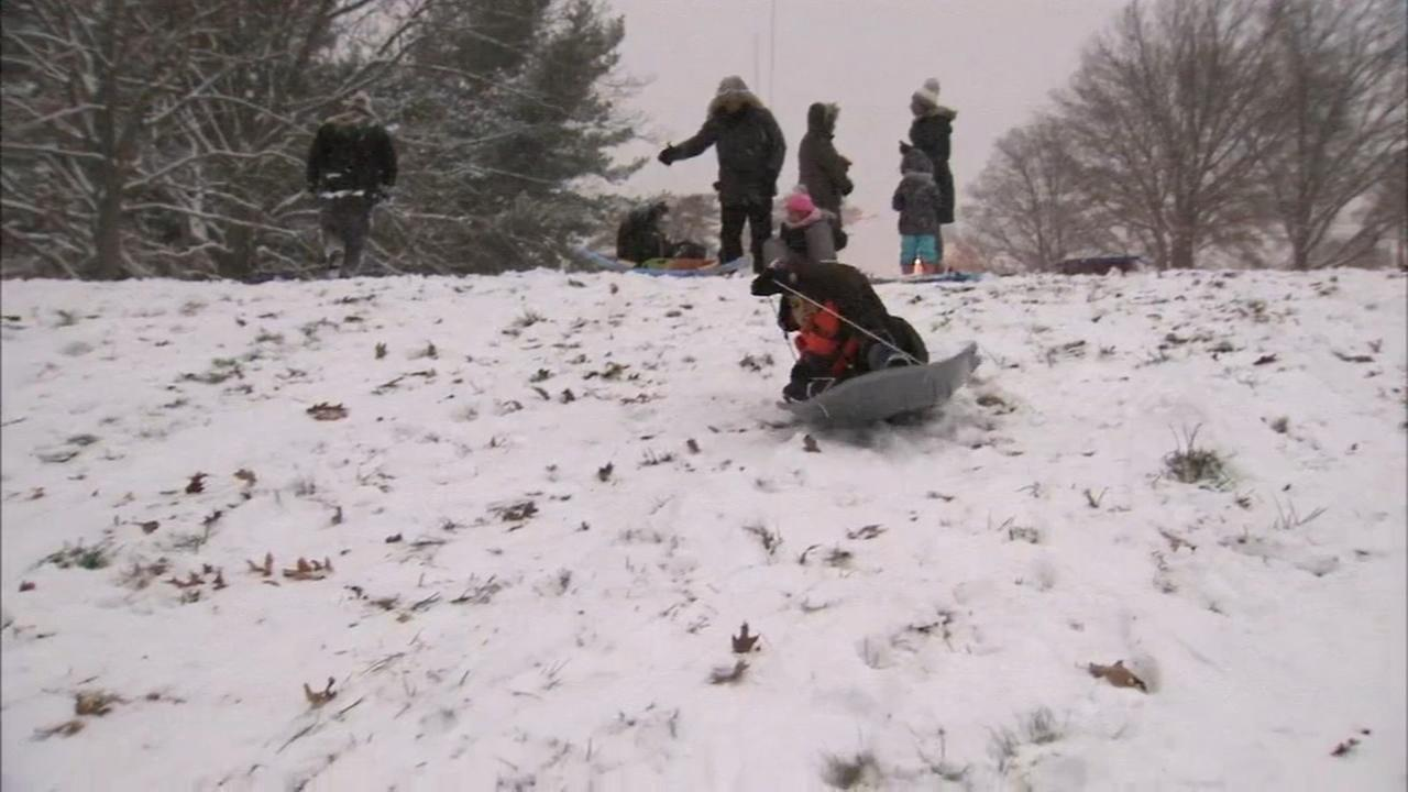 Snowfall brings sledders out in Montgomery Co.