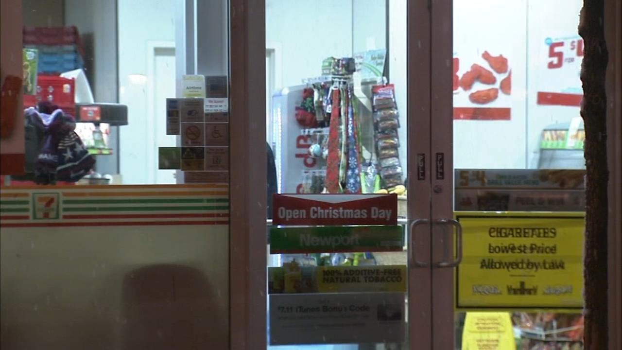 RAW VIDEO: 7-Eleven robbed at knifepoint