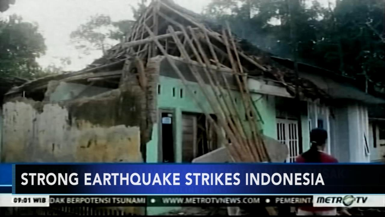 Strong earthquake rattles Indonesias Java island; 2 dead