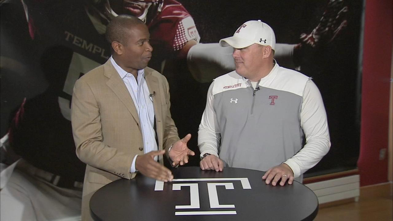 Head Coach Geoff Collins talks with Ducis Rodgers on Temple Football Playbook