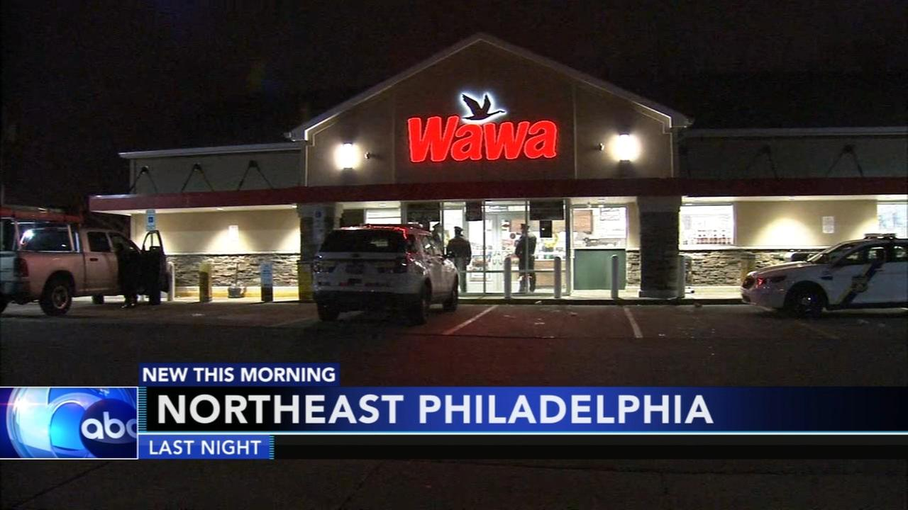 Shooting victims runs to NE Philadelphia Wawa