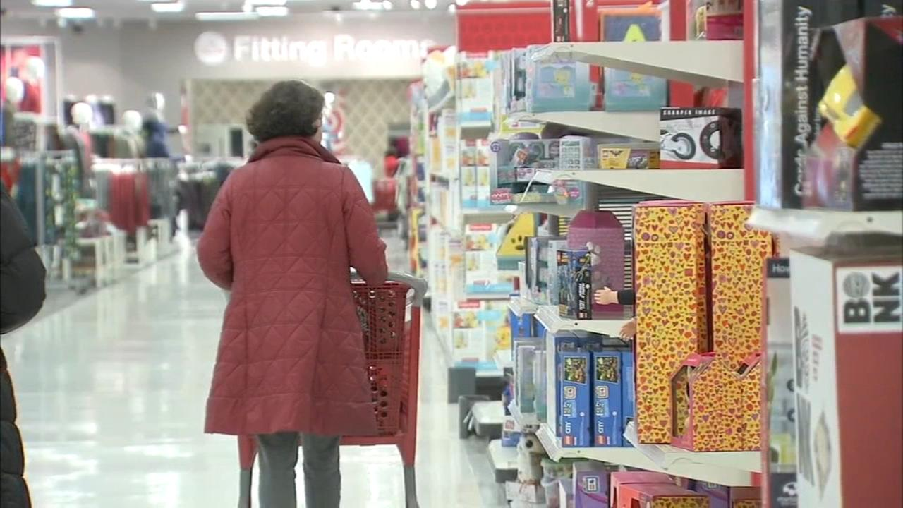 Last-minute shoppers fill area stores