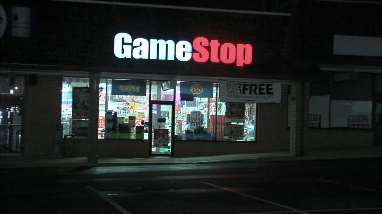 Clementon Game Stop burglarized
