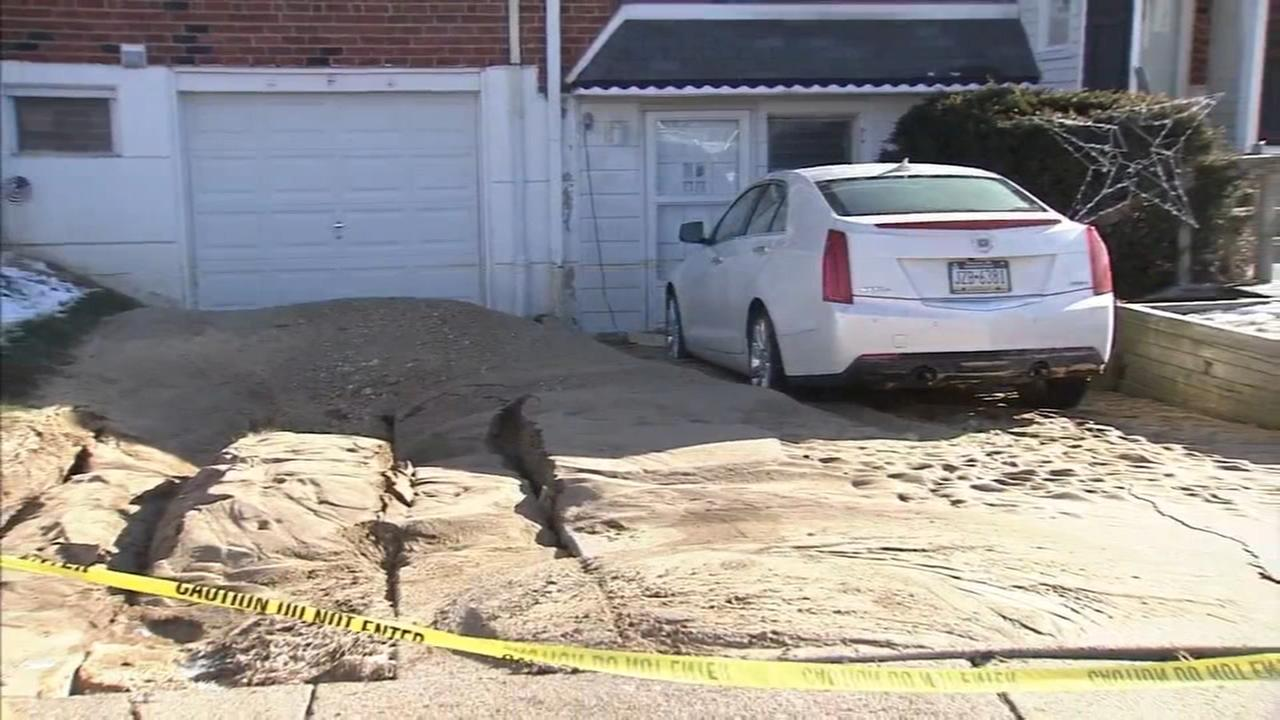 Homes flooded after water main break in NE Philly