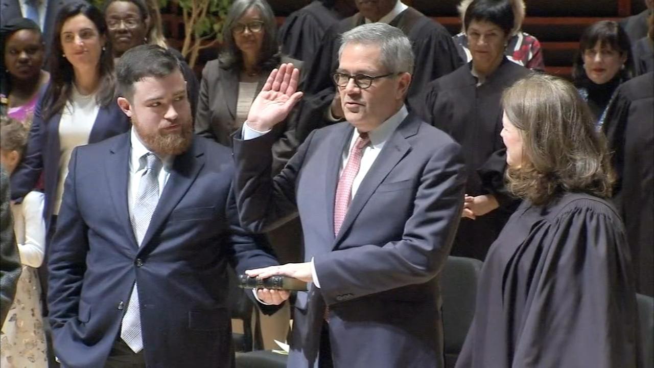 Larry Krasner sworn in as Philadelphia District Attorney