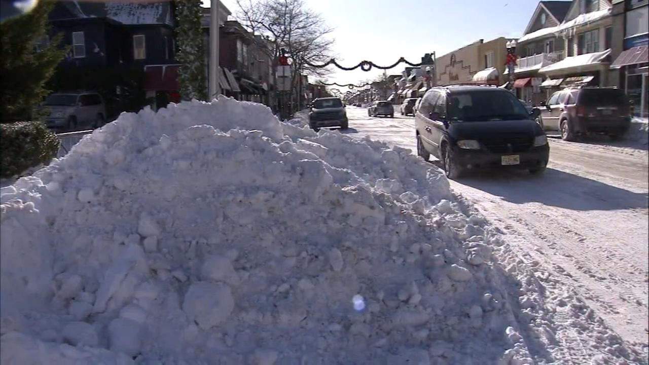 People dig out after Jersey shore slammed with snow