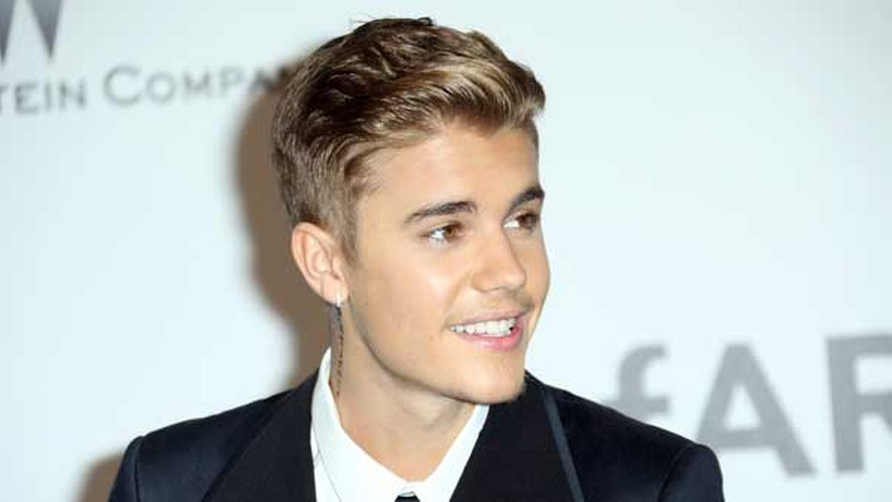Justin Bieber arrives at the amfAR Cinema Against AIDS benefit at the Hotel du Cap-Eden-Roc in Cap dAntibes, southern France, Thursday, May 22, 2014.