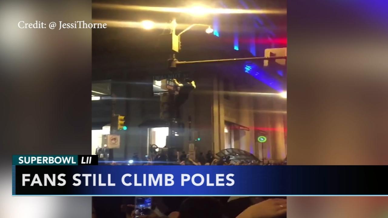 Fans still climb poles despite Crisco