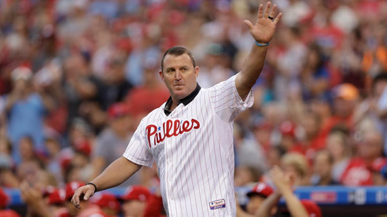 Philadelphia Phillies Jim Thome waves to the crowd before a baseball game against the New York Mets, Saturday, Aug. 12, 2017, in Philadelphia.
