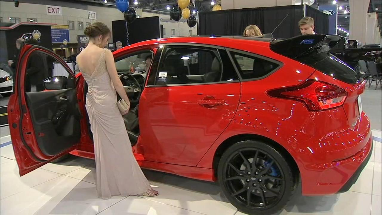 Philadelphia Auto Show Kicks Off With Black Tie Tailgate Event - Black tie event philadelphia car show