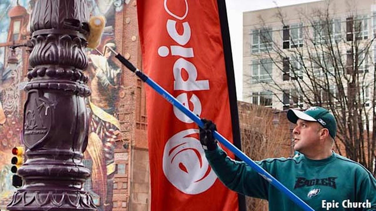 Philadelphia police put hydraulic fluid on poles to prevent climbing