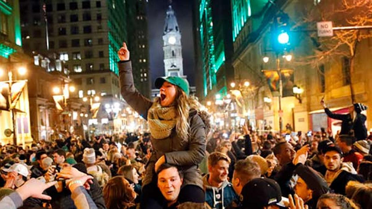 Philadelphia Eagles fans celebrate the teams victory in the NFL Super Bowl 52 between the Philadelphia Eagles and the New England Patriots, Sunday, Feb. 4, 2018.