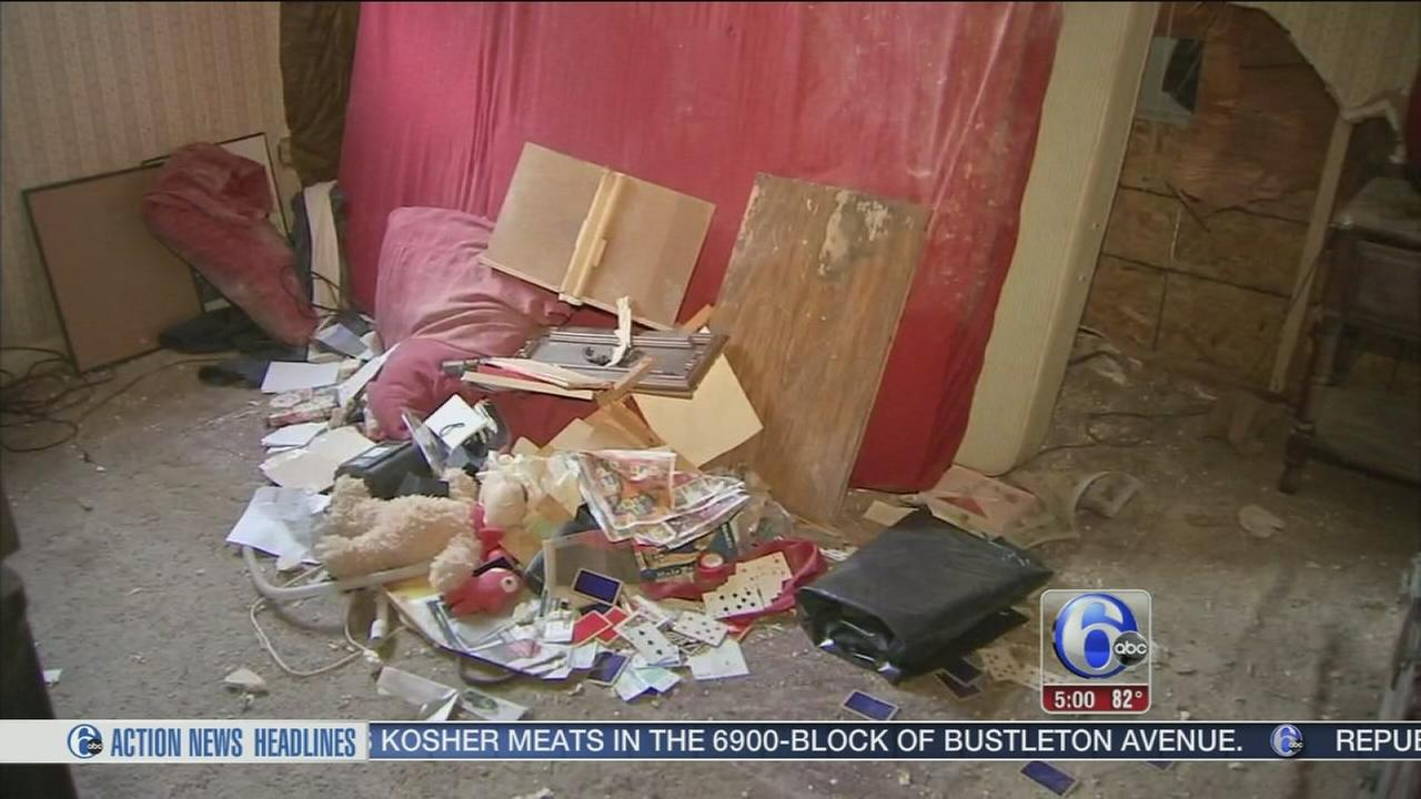 VIDEO: Car crashes into bedroom